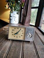 Vintage GE General Electric Alarm Clock Ever Set Days 7342K Working needs TLC