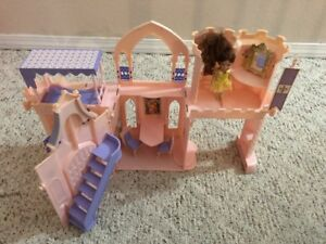 "2000 Mattel Fold Up Castle Beauty ""Belle"" and the Beast"