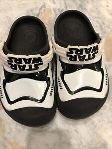 STAR WARS Crocs Unisex Kids Shoes Sz 1 Junior Unique Storm Trooper Glow in Dark