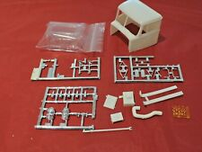 Model Truck Parts AMT White Western Star Semi Truck Cab and Glass 1/25