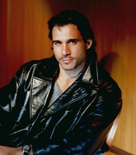 Adrian Paul UNSIGNED photo - B1645 - Highlander and The Colbys