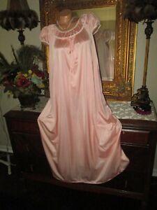 Vintage Peach Nylon Lorraine Long Nightgown gown dress lingerie size M