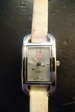 Vintage Dickies ladies watch, running with new battery no Reserve