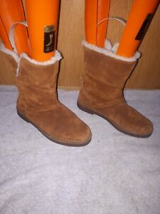 Clarks Ladies Boots Brown Mid Calf Size 5D