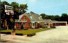 1950'S. VILLAGE MOTEL. NILES, ILL. POSTCARD xz5