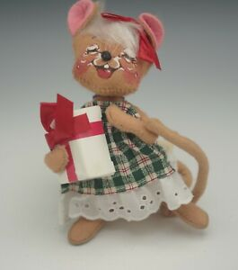 ANNALEE MOBILITEE 1995 CHRISTMAS GIFT MOUSE  MADE IN USA MWT