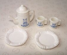Sylvanian Families Cucina Accessori-Colore Bianco & Blu con dettaglio Coniglio