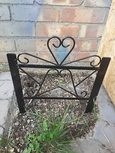 "2x Ornate Metal 12"" Long/High Flower Bed Garden Border Grass Edge Fences Black."