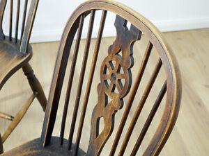Antiker Stuhl, Wheelback Chair, Windsor, Landhaus um 1920 Buche