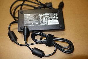 Toshiba X70-A QOSMIO 180W Laptop PA5084E-1AC3 Power Adapter CHARGER 19V 9.5A pin