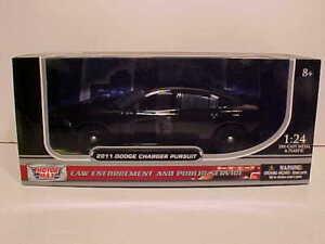 PREORDER 2011 Dodge Charger Pursuit Die-cast Police Car 1:24 Slick 8 inch Black