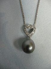 PRE-OWNED 18K-750 WHITE GOLD HEART DIAMOND PENDANT w/LARGE BLACK PEARL, CHAIN