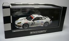 UN PORSCHE 911 GT3 RS SPA 2005 1:43 MINICHAMPS