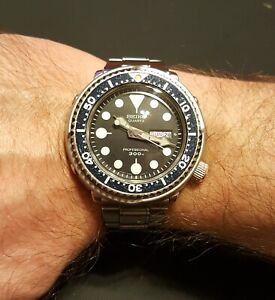 SEIKO PROFESSIONAL DIVER 7549-7010 Day/Date Tuna Quartz Watch