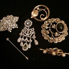 LOT BROCHES PINS vintage crystals real pearls lucite