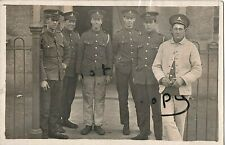 WW1 soldier group Royal Field Artillery outside permanent barracks ? named