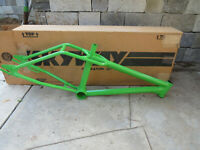 NOS SKYWAY FRAME STREETBEAT GREEN FREESTYLE BMX VINTAGE EARLY
