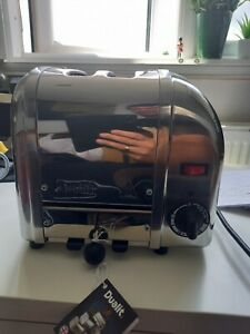 Dualit classic 2 slice toaster brand new in box ex display (grade A condition)