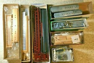 Vintage HO Scale Kits LOT Bowser Metal Wood Walthers Models Trains 7 Pieces RR14