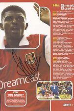 Arsenal: NWANKWO KANU firmato A4 (12x8) Book/Annuale foto + COA