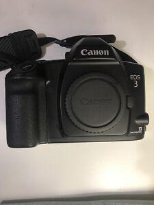 Canon EOS-3 35mm SLR film camera body