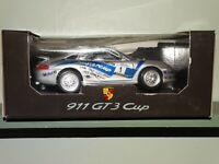 Bburago Porsche 911 GT3 Strauss Cup Perelli #1 Super-Cup 1:18 Diecast Race Car