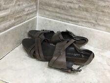 Clarks Softwear womens Brown Lea sandals size u.k 6
