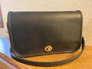 Vintage Coach Black Pocket Purse 9755