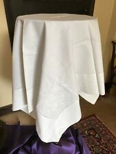 Vintage table linen - white cotton tablecloth with machine embroidery 88 cm sq