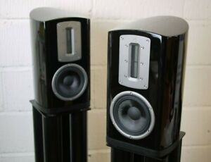 Quad Z1 Standmount Speakers in Gloss Black - Preowned