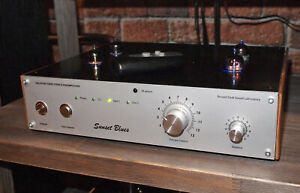 TUBES STEREO PREAMPLIFIER AT-11PV2 SUNSET BLUES. BUILT-IN PHONO STAGE.