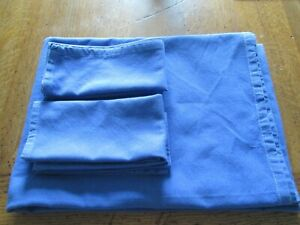 Blue Table Cloth and 4 Napkins. 100% cotton. Pre-owned.