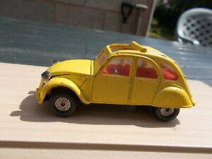 CORGI 007 CITREON 2CV FROM ''FOR YOUR EYES ONLY'--USED/CHIPPED/UNBOXED