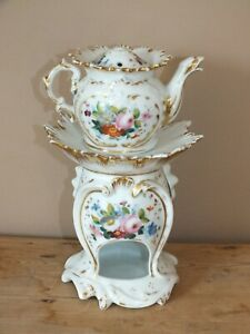 + Tisanière ancienne en porcelaine de Paris décor or et fleurs peintes +