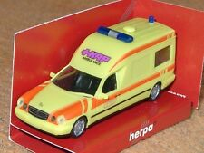 Herpa Mercedes E200 T Binz KAP Ambulance - 188821