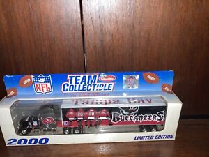 2000 TAMPA BAY BUCCANEERS PETERBILT TRAILER/1:80/WHITE ROSE COLLECTIBLES
