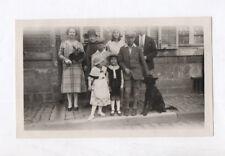 PHOTO ANCIENNE Costume régional Enfant Groupe Chien 1930 Déguisement ? Coiffe