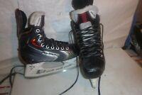 Boys Bauer Vapor X70  sz 3 Hockey  ice skates  FREE GUARDS