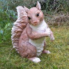 Eichhörnchen mit Eichel Gartenfigur Gartendekoration Wald Garten Dekoration 4105