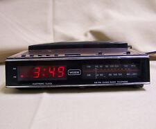 Vintage Weston Digital Clock AM/FM Radio with Telephone 757 Woodgrain 80s