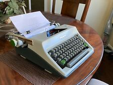 Olympia DeLuxe SM8 Portable Typewriter+Case