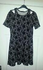Vestido de encaje precioso Señoras Tamaño aproximado 12/14 Negro/gris impresión Mini. nuevo BNWT