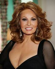 Raquel Welch 8 x 10 / 8x10 GLOSSY Photo Picture IMAGE #2