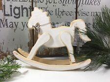 Markenlose Dekofiguren aus Holz mit Natur-Thema