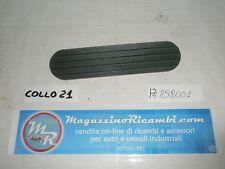 MOSTRINA PARAFANGO POSTERIORE PEUGEOT 205 RICAMBIO ORIGINALE COD 858001