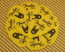 098-7351-800 Rock-On Touring Picks (12) Med 73mm Genuine Fender Yellow Delrin