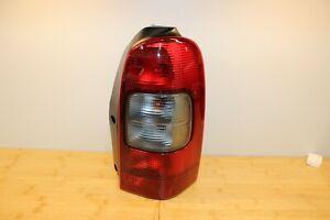 NEW GENUINE GM RIGHT PASSENGER TAIL LIGHT LAMP 97-05 CHEVROLET VENTURE 10353278