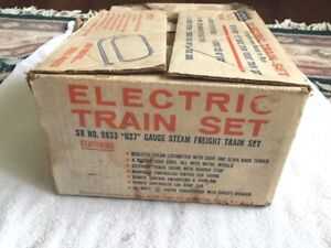 1966 LIONEL 9833 SEARS BOXED PROMOTIONAL SET with SET BOX, VG CONDITION