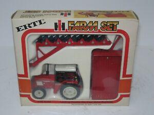 1/32 INTERNATIONAL HARVESTER 784 MFD FARM SET w/PLOW & WAGON NIB 1981 vintage