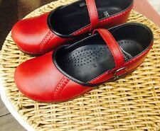 DANSKO Marcelle Red Leather Mary Janes size 39/8.5 in Excellent Pre-owned Cond.